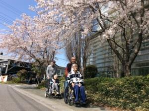 【貝沢】週休二日で未経験歓迎のデイサービス介護職